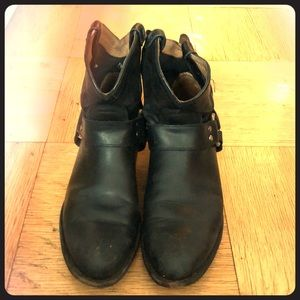 Frye boots-  womens sz7, Wyatt Harness short black